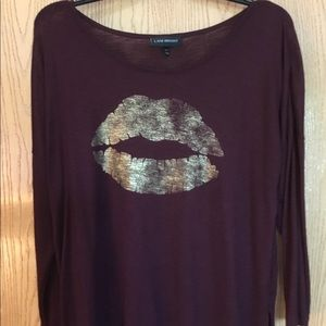LANE BRYANT GOLD METALLIC LIPS SHIRT